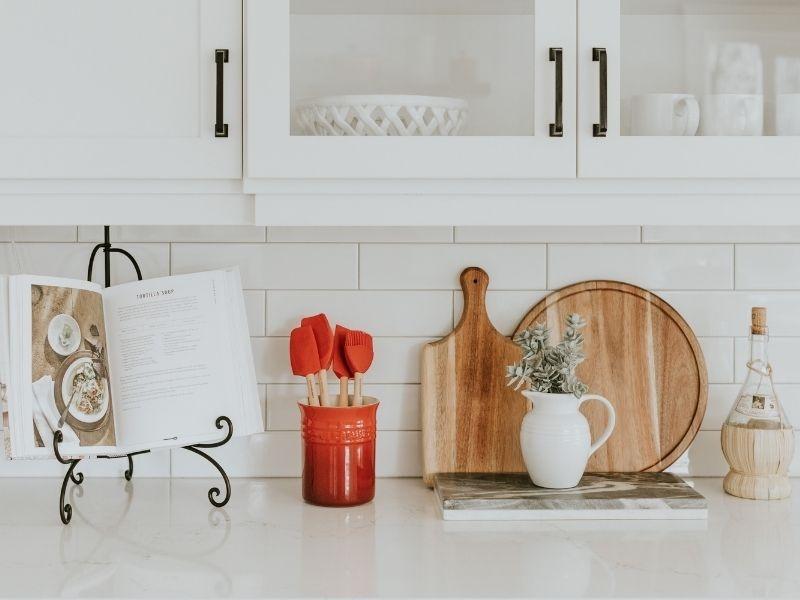 Mettre à jour les accessoires de sa cuisine pour la rendre plus moderne
