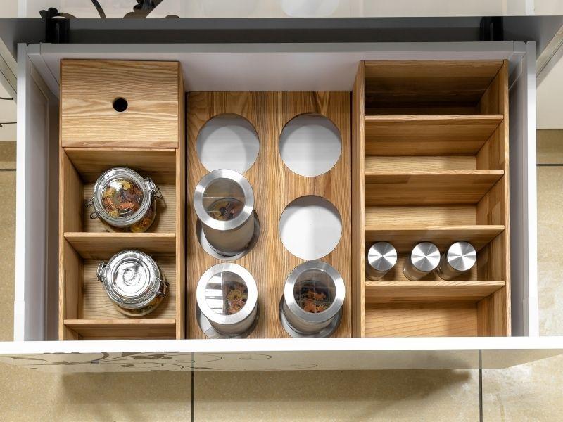 Optimiser votre rangement pour une cuisine plus moderne