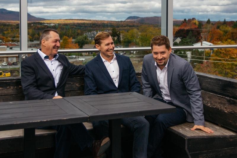 équipe en famille Lacroix courtier immobilier chez Sutton Québec