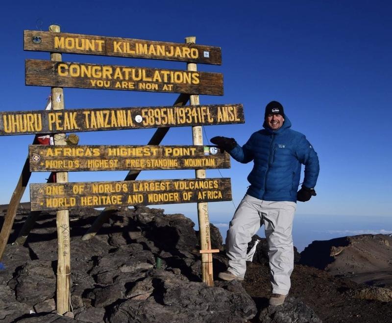 Martin Dumont sur le Kilimandjaro
