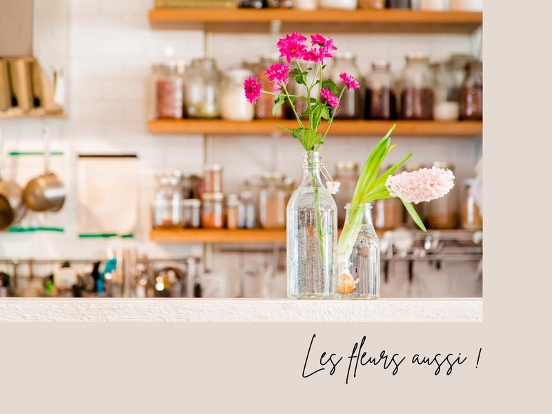 alt : décorer sa demeure à vendre avec des fleurs pour de belles photos